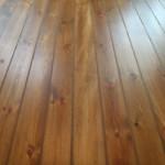 renowacja deski sosnowej,kolorowanie woskiem, szczeliny uzupełnione korkiem